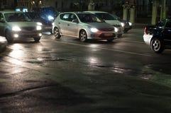 Κυκλοφορία λεωφόρων τή νύχτα Στοκ εικόνα με δικαίωμα ελεύθερης χρήσης