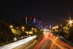 Κυκλοφορία νύχτας σε Shenzhen Στοκ Εικόνα