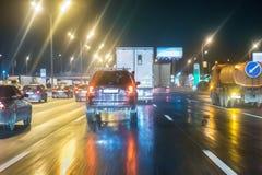 Κυκλοφορία νύχτας στην πόλη Στοκ εικόνες με δικαίωμα ελεύθερης χρήσης
