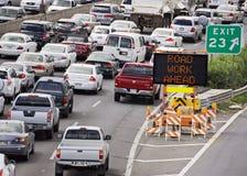 Κυκλοφορία οδικής εργασίας στοκ εικόνες με δικαίωμα ελεύθερης χρήσης
