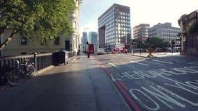 Κυκλοφορία πρωινού στο Λονδίνο απόθεμα βίντεο