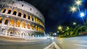 Κυκλοφορία πόλεων νύχτας Coliseum timelapse απόθεμα βίντεο