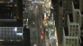 Κυκλοφορία πόλεων της Νέας Υόρκης τη νύχτα απόθεμα βίντεο