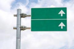 Κυκλοφορία σημαδιών πράσινη Στοκ εικόνα με δικαίωμα ελεύθερης χρήσης