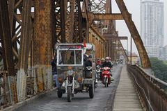 Κυκλοφορία στη μακριά γέφυρα Bien Στοκ φωτογραφίες με δικαίωμα ελεύθερης χρήσης