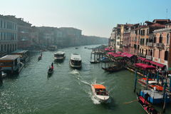 Κυκλοφορία στο κανάλι Grande, Βενετία, Ιταλία Στοκ φωτογραφία με δικαίωμα ελεύθερης χρήσης