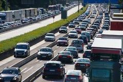 Κυκλοφοριακή συμφόρηση στην εθνική οδό στοκ εικόνα