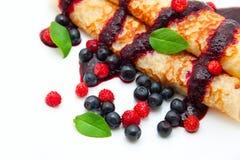 κυλημένος τηγανίτες σωλήνας μούρων Στοκ Εικόνες