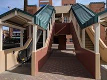 Κυλιόμενη σκάλα και σκαλοπάτια Στοκ Εικόνες