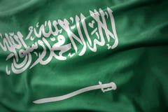 Κυματίζοντας ζωηρόχρωμη σημαία της Σαουδικής Αραβίας Στοκ εικόνα με δικαίωμα ελεύθερης χρήσης
