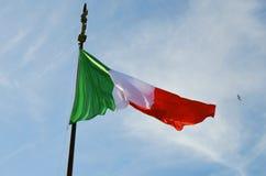 κυματισμός της Ιταλίας σημαιών Στοκ Εικόνα