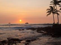 κυματωγή ηλιοβασιλέματ&om στοκ εικόνα με δικαίωμα ελεύθερης χρήσης