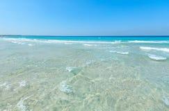 Κυματωγή θάλασσας στην παραλία Στοκ Φωτογραφίες