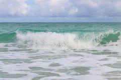 Κυματωγή στην ατλαντική ακτή, Κούβα, Varadero Στοκ φωτογραφία με δικαίωμα ελεύθερης χρήσης