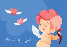 Κυνήγι Cupid με τις πετώντας καρδιές τόξων archey Παίζοντας μουσική Cupid Στοκ Φωτογραφίες