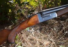 Κυνηγετικό όπλο με δύο βαρέλια Στοκ εικόνες με δικαίωμα ελεύθερης χρήσης