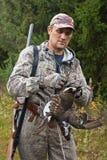 Κυνηγός με το τρόπαιο κυνηγιού - μαύρος αγριόγαλλος Στοκ εικόνες με δικαίωμα ελεύθερης χρήσης