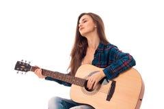 Κυρία γοητείας με την κιθάρα στα χέρια Στοκ Εικόνα