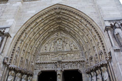 Κυρία είσοδος της Παναγίας των Παρισίων Στοκ Εικόνες