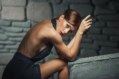 Κυρία πορτρέτου ομορφιάς στο Μαύρο Στοκ εικόνα με δικαίωμα ελεύθερης χρήσης