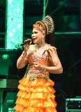 Κυρία Singer και ταϊλανδική συναυλία ύφους χορευτών Στοκ φωτογραφία με δικαίωμα ελεύθερης χρήσης