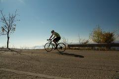 ΚΥΡΙΟ ΆΡΘΡΟ: IOANNINNA, ΕΛΛΑΔΑ, στις 5 Νοεμβρίου 2017, cRace ΠΟΔΗΛΆΤΩΝ LIGIADES, φυλή ποδηλάτων πόλεων των Ιωαννίνων το πρωί uphi Στοκ Εικόνα