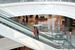 κυλιόμενη σκάλα στη λεωφόρο Στοκ φωτογραφίες με δικαίωμα ελεύθερης χρήσης