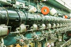 Κυλώντας μηχανή νημάτων βαμβακιού Στοκ εικόνες με δικαίωμα ελεύθερης χρήσης