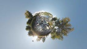Κυλώντας μικροσκοπικός πλανήτης 360 Γλάροι σε ένα μοναστήρι λιμνών φιλμ μικρού μήκους