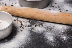 Κυλώντας τηγάνι καρφιτσών και ψησίματος Στοκ Εικόνες