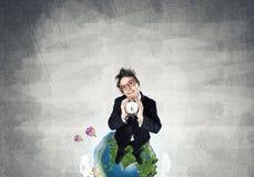 Κωμικός επιχειρηματίας στα κόκκινα γυαλιά Στοκ εικόνες με δικαίωμα ελεύθερης χρήσης