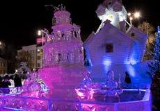 Κωμόπολη πάγου με τα γλυπτά στην πόλη Yekaterinburg, 2016 Στοκ εικόνα με δικαίωμα ελεύθερης χρήσης