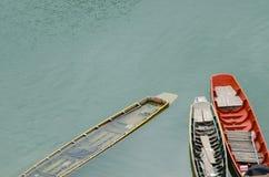 Κωπηλατώντας διαρροές βαρκών Στοκ φωτογραφία με δικαίωμα ελεύθερης χρήσης
