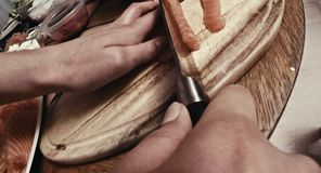 Κόβοντας με το μαχαίρι, στενή άποψη φιλμ μικρού μήκους