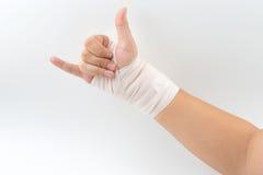 Κόκκαλο χεριών που σπάζουν από το ατύχημα με το νάρθηκα βραχιόνων Στοκ Φωτογραφία