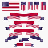Κόκκινα άσπρα μπλε αμερικανική σημαία, κορδέλλες και εμβλήματα Στοκ φωτογραφίες με δικαίωμα ελεύθερης χρήσης