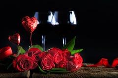 Κόκκινα γυαλιά κρασιού τριαντάφυλλων Στοκ Εικόνα
