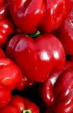 Κόκκινα γλυκά πιπέρια Poppin Στοκ φωτογραφίες με δικαίωμα ελεύθερης χρήσης