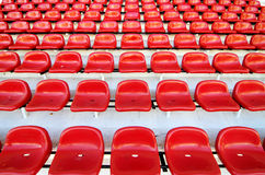 Κόκκινα καθίσματα σταδίων Στοκ εικόνα με δικαίωμα ελεύθερης χρήσης