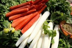 Κόκκινα και άσπρα καρότα Στοκ Εικόνες