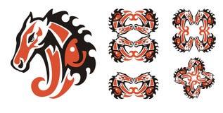 Κόκκινα και μαύρα σύμβολα κεφαλιών αλόγων Στοκ φωτογραφίες με δικαίωμα ελεύθερης χρήσης