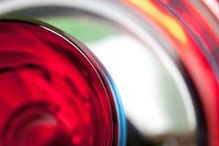 Κόκκινα και μπλε γυαλιά σε ένα τηγάνι Στοκ φωτογραφία με δικαίωμα ελεύθερης χρήσης