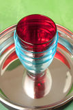 Κόκκινα και μπλε γυαλιά σε ένα τηγάνι Στοκ εικόνα με δικαίωμα ελεύθερης χρήσης
