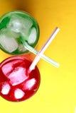 Κόκκινα και πράσινα αφρώδη ποτά σόδας Στοκ Εικόνες