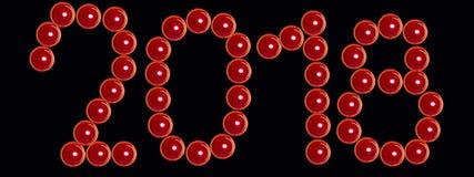 Κόκκινα κεριά βαλεντίνων ως επιγραφή 2018 στοκ εικόνες