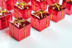 Κόκκινα κιβώτια δώρων Στοκ Εικόνες