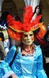 Κόκκινα μάσκα, περούκα και φτερά, Βενετία, Ιταλία, Ευρώπη Στοκ Εικόνες