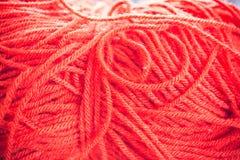Κόκκινα μάλλινα νήματα Στοκ Φωτογραφίες