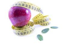 Κόκκινα μήλο και εκατοστόμετρο στοκ φωτογραφία με δικαίωμα ελεύθερης χρήσης