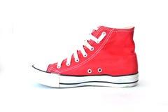 Κόκκινα πάνινα παπούτσια στο λευκό Στοκ Εικόνα